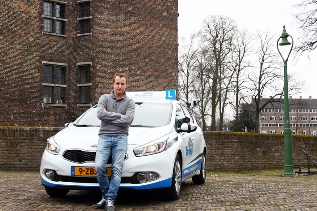 Rob van den Hoven van Rijschool vd Hoven in Helmond